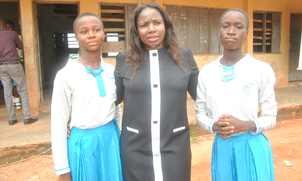 CL-GEYEF President with the Head Girl and Assistant Head Girl of the school